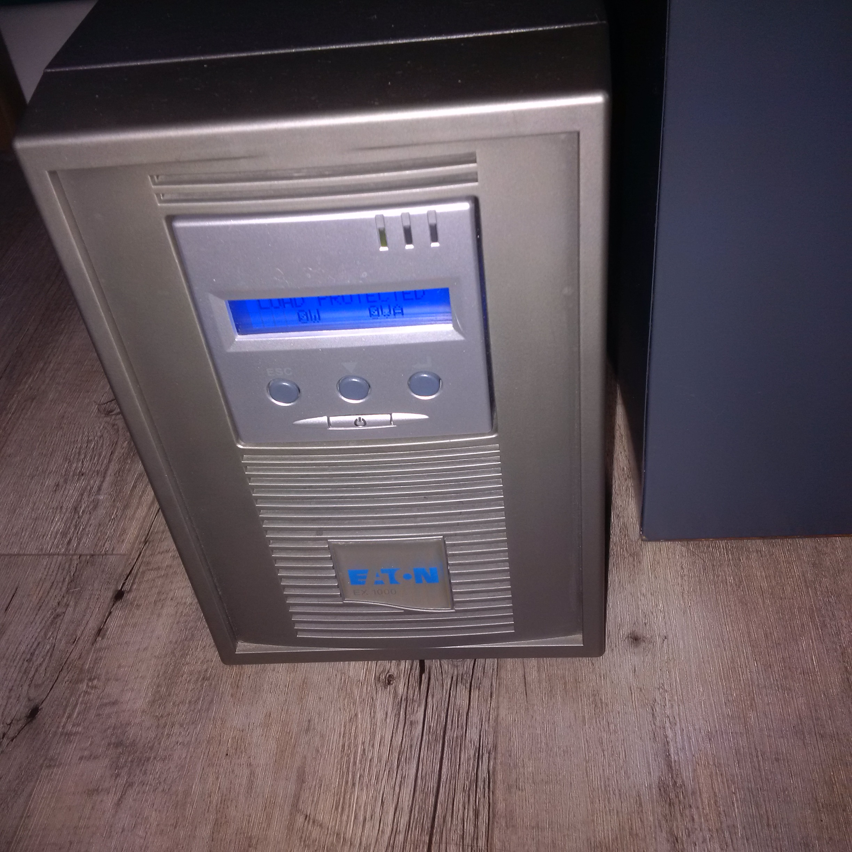 Onduleur Eaton EX 1000 en fonctionnement