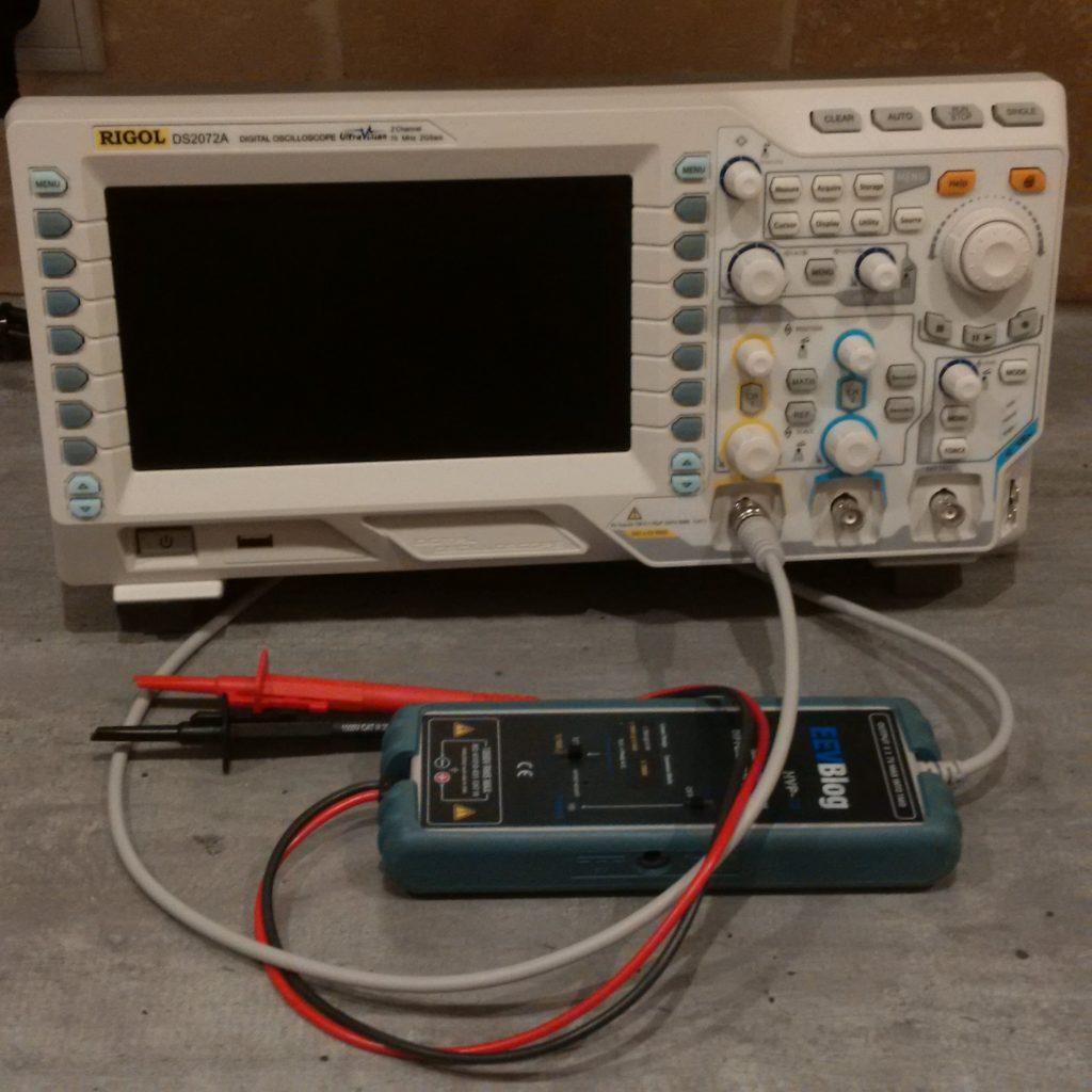 Oscilloscope Rigol DS2072A et sa sonde différentielle