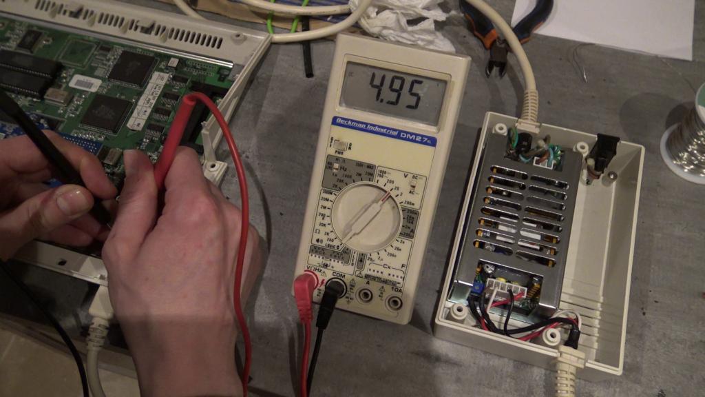 Tension de 5 volts en entrée de l'Amiga 1200